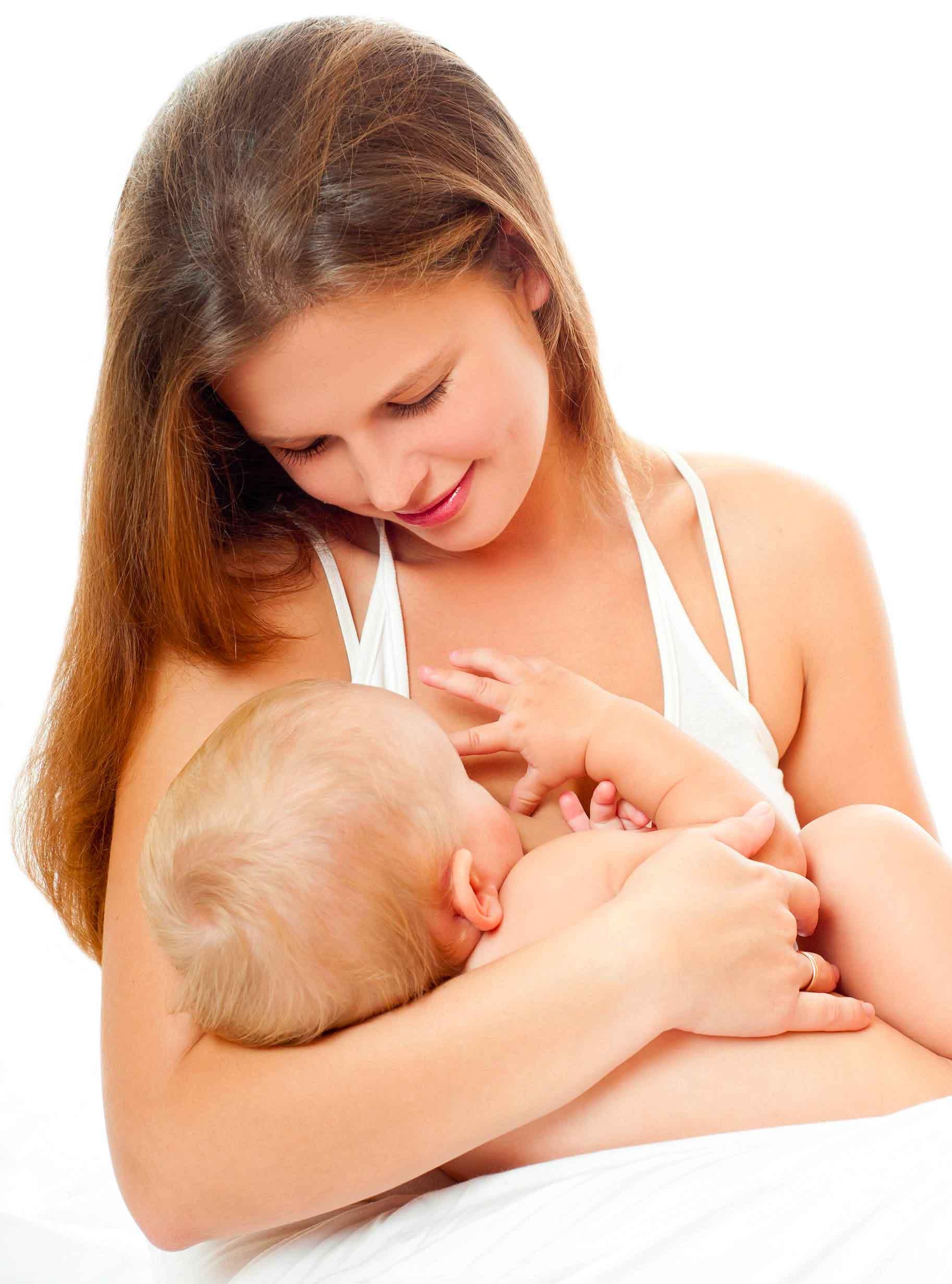 mamma allatta al seno il neonato