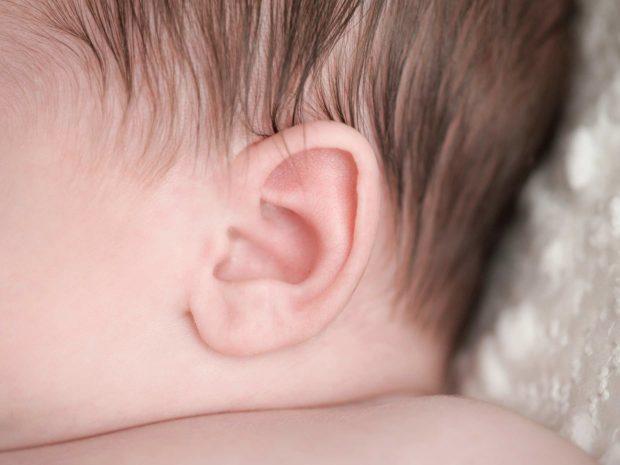 orecchio di un neonato