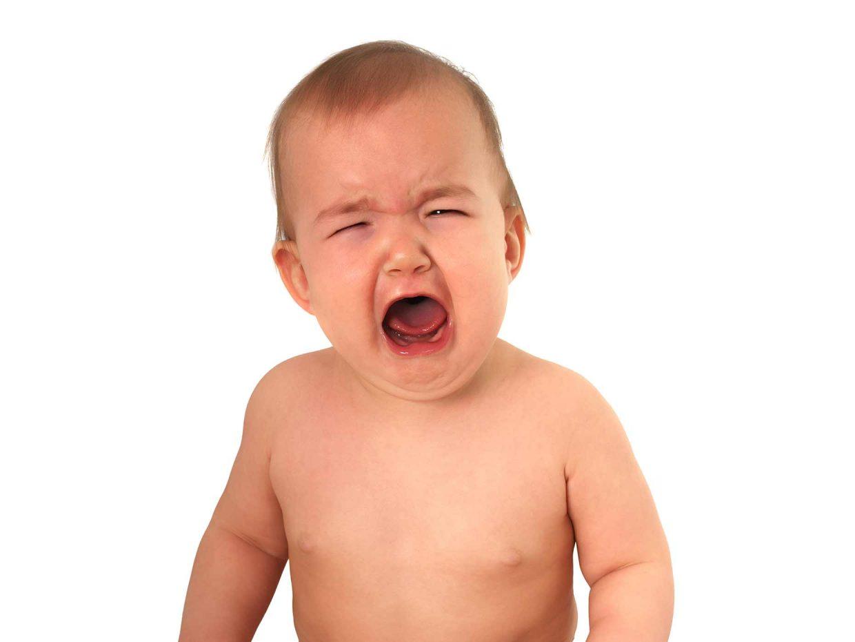 neonato piange disperato